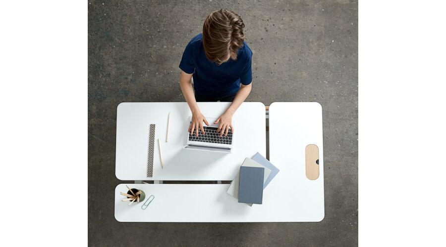 moby_jobb_oldalt_nyithato_tanulo_asztal
