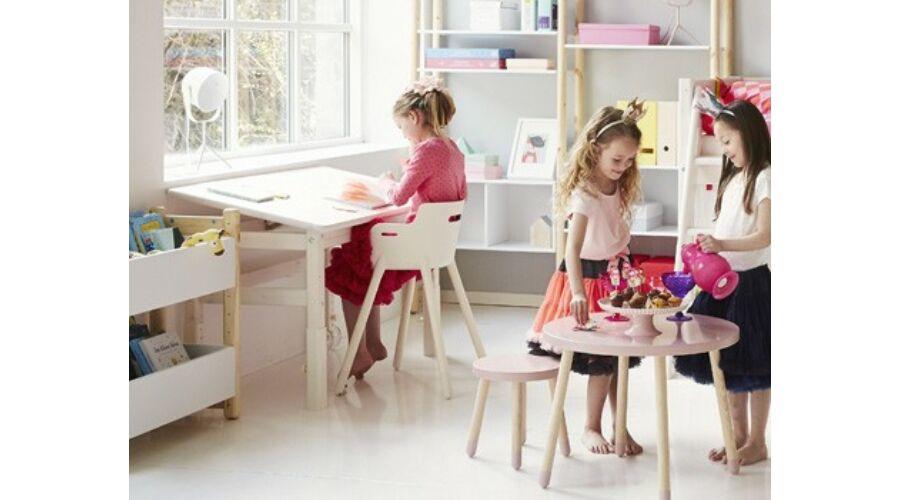 Classic 2 íróasztal. Állítható magasságú asztal, dönthető lappal, fenyő