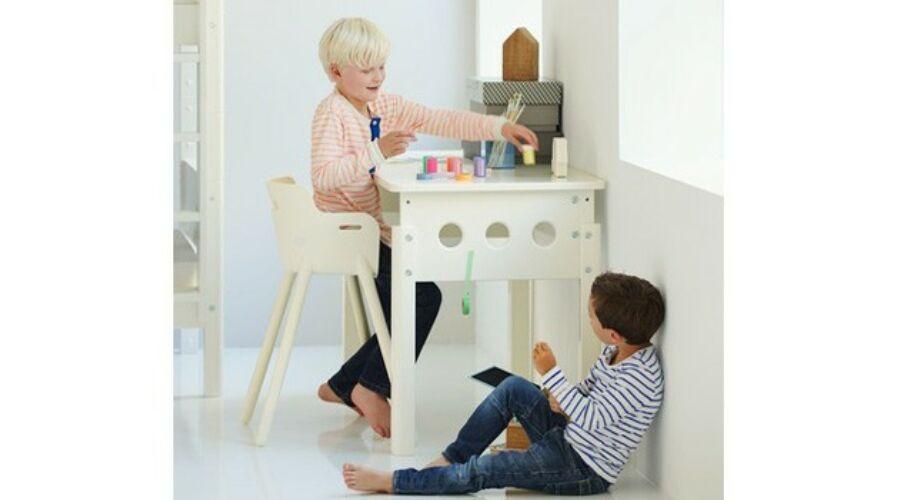 White állítható magasságú asztal, fiókkal, nyírfa lábbal